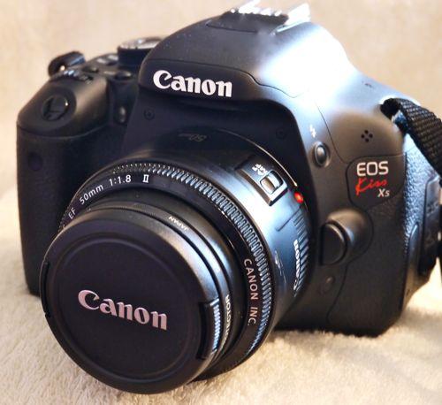 キャノンの一眼レフデジタルカメラのEOSKissX5