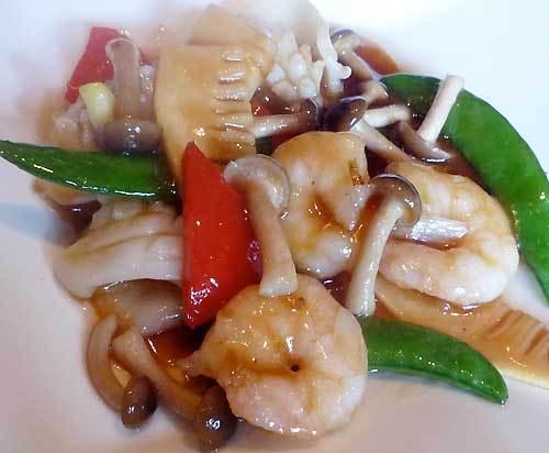 京鼎樓の海鮮と彩り野菜のオイスターソース炒めの写真