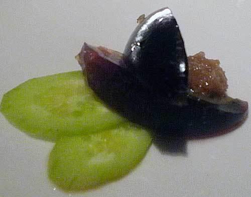 ディナーコースの前菜のピータンのジンジャーソース
