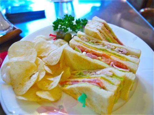 富士屋ホテルのクラブハウスサンドイッチ