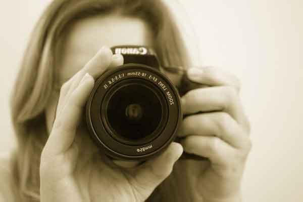 小型デジタル一眼レフカメラの画像
